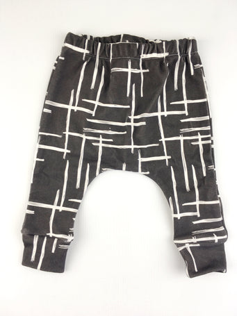 White abstract line leggings