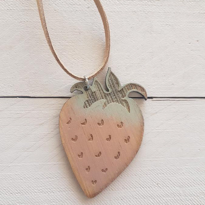 SQUIRREL HOUSE - Strawberry Fields Necklace
