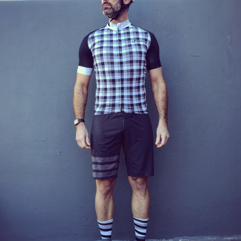 The Hipster in B&W Signature Fit