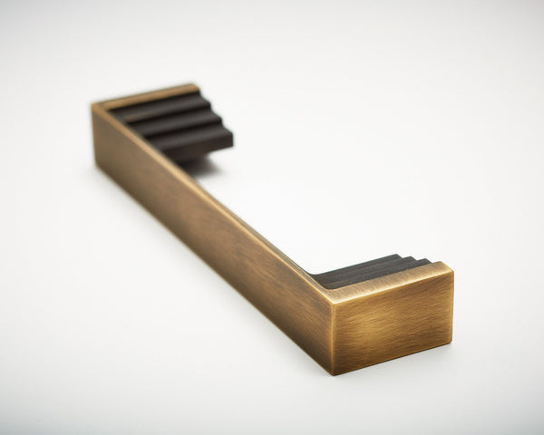 Step-01 Handle in Antique Brass | DSHOP