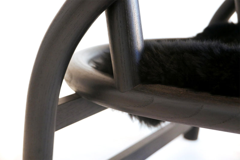 Shepherd's Chair with Black Sheepskin | DSHOP