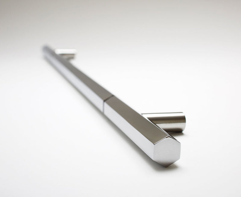 Facet-o1L18 Door Handle | DSHOP