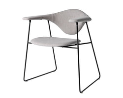 Gubi Masculo Chair - Sledge Base | DSHOP