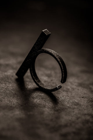 Stickii matte black ring I