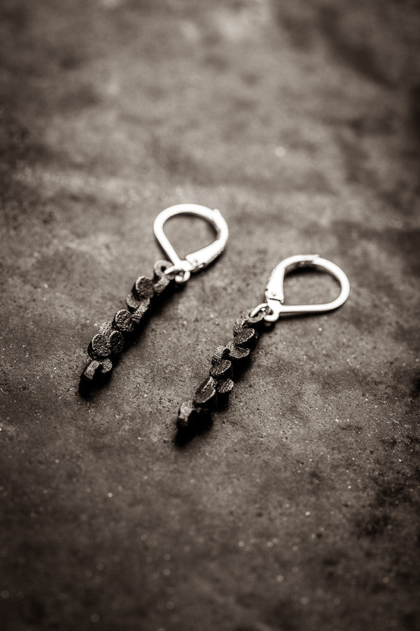 Tubii matte black earrings