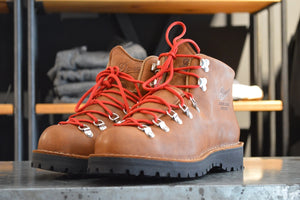 Danner Boots Mountain Light Cascade Clovis