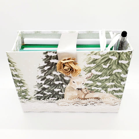 Stationery box- deer in snow front/top