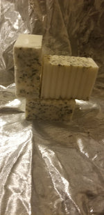 SHEA BUTTER AND HEMP SEED SCRUB BAR