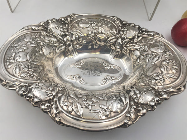 Gorham Sterling Silver Pair of 1917 Floral Repousse Centerpieces Bowls in Art Nouveau Style