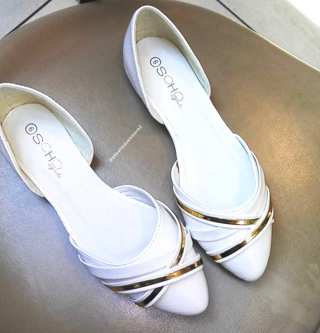 Ivy-02 White Pointed Flat