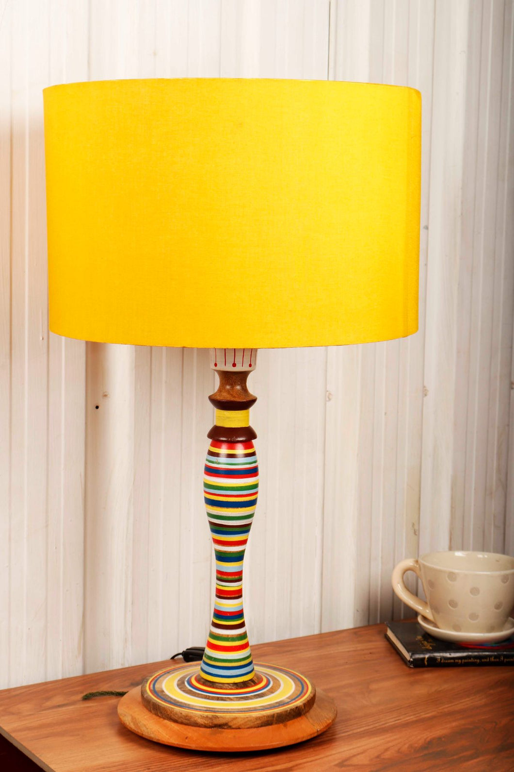 Splendid Table Lamp with 3 [YELLOW, BLACK, BROWN] Shade
