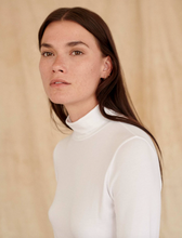 Load image into Gallery viewer, White + Warren - Scrunch Neck Tee