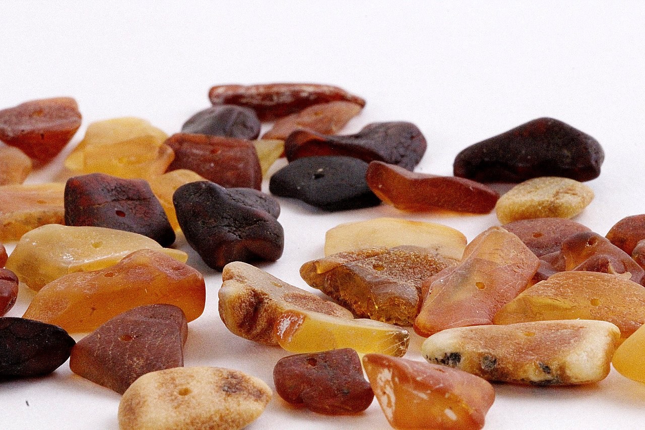 Crafting Raw Baltic Amber Disc Beads with holes (17mm-11mm) - Amber SOS