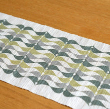 Load image into Gallery viewer, Linen table runner(leaf;blue&gray&olive) ; Yuiko Kamiyama