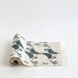 Linen table runner(eucalyptus;deep green) ; Yuiko Kamiyama