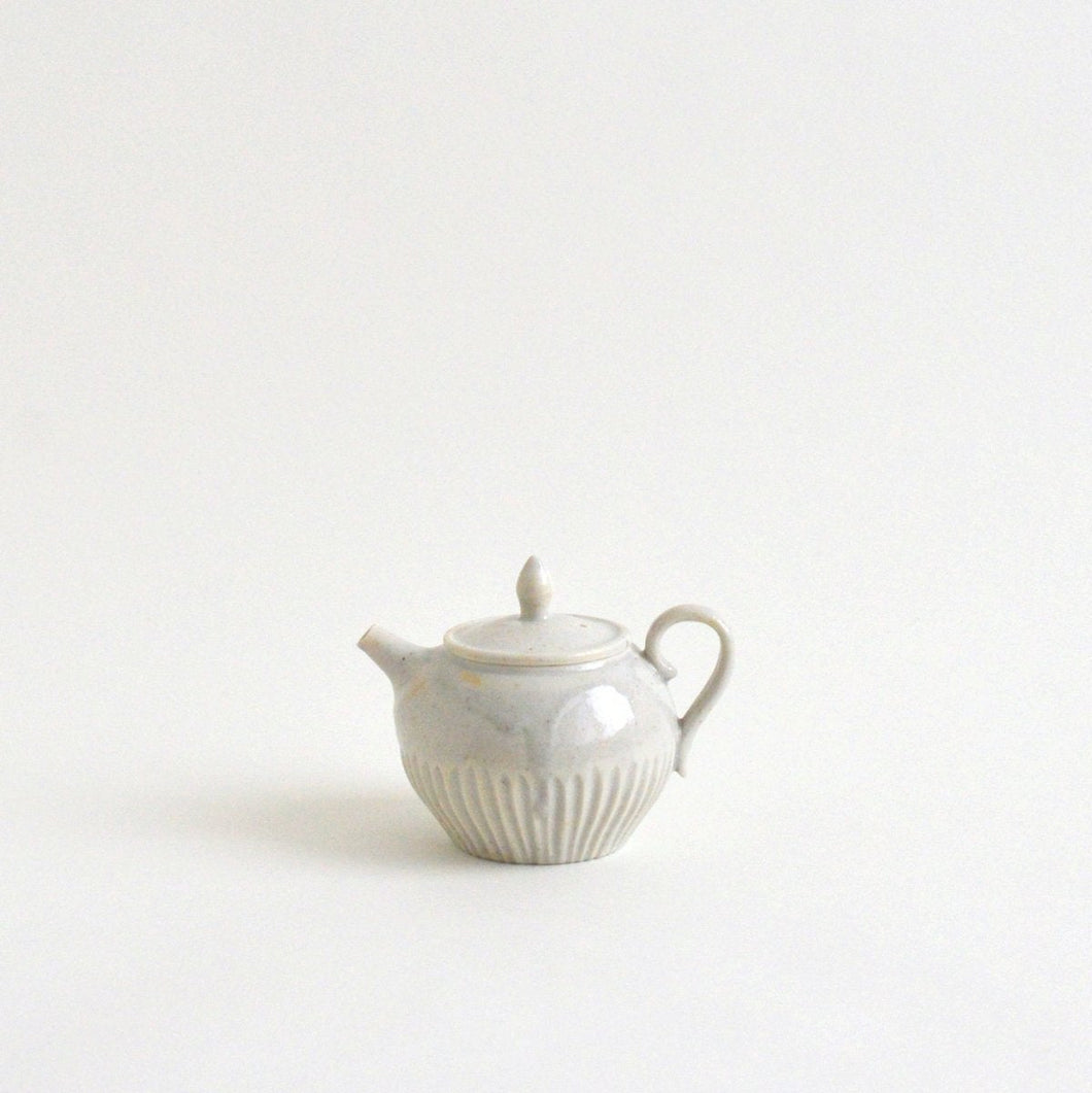 Shinogi-tea pot 01 ; Tsutomu Takeshita