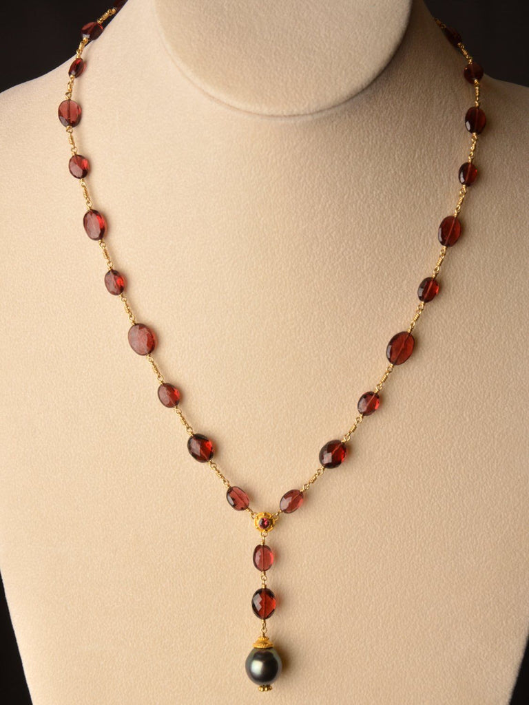 Desire Garnet 18kt Necklace