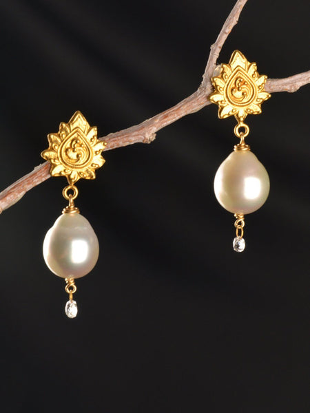 Sparkling Venus 18KT Earrings