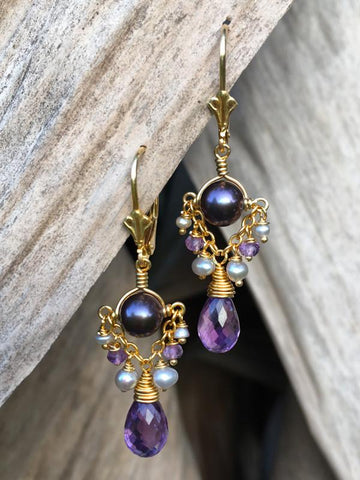 Noble Heart Trapeze Earrings