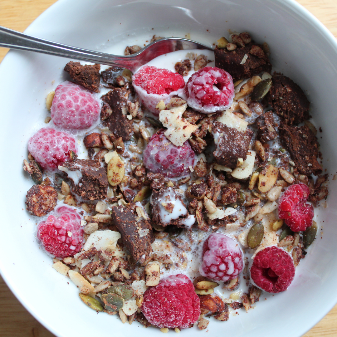 homemade keto museli cereal. Low carb, vegan and dairy free