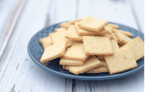 crispy and crunchy keto friendly butter crackers