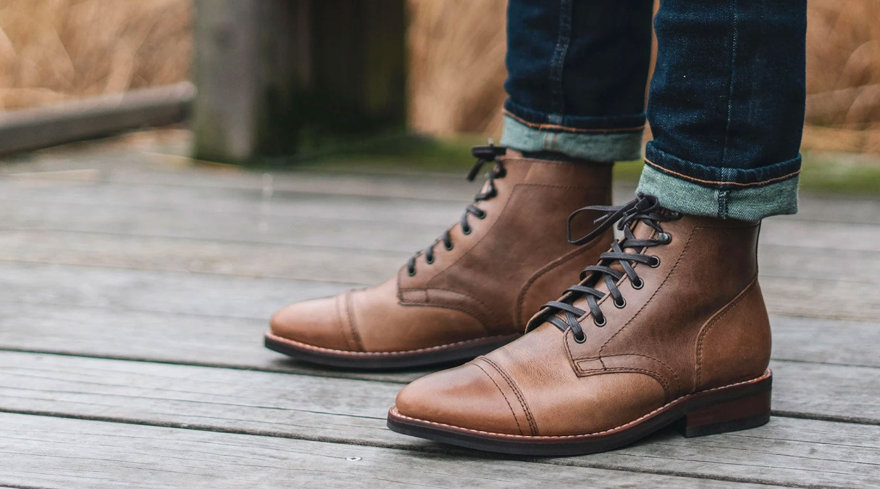 Flat waxed cotton laces