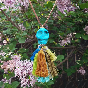 Big Skull Billabong Tassel Cluster
