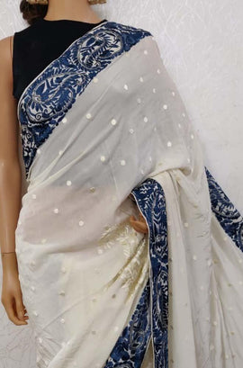 LWIS1P2100501_White_Hand_Embroidered_Parsi_Gara_Pure_Crepe_Thread_Work_Floral_Design_Saree