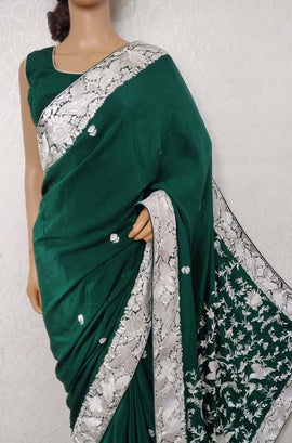 LWIS1P2100502_Green_Hand_Embroidered_Parsi_Gara_Pure_Crepe_Thread_Work_Floral_Design_Saree