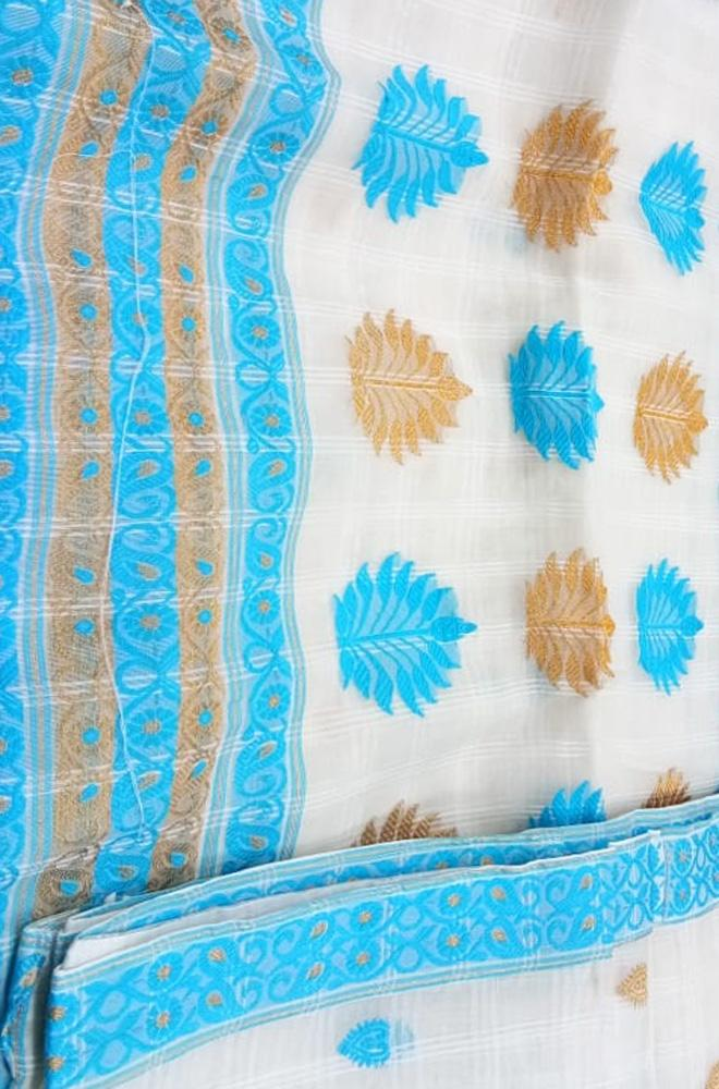 Off White Handloom Assam Silk Saree - Luxurionworld