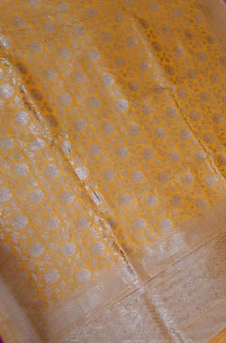 Yellow_Handloom_Banarasi_Pure_Katan_Silk_Jaal_Work_Saree