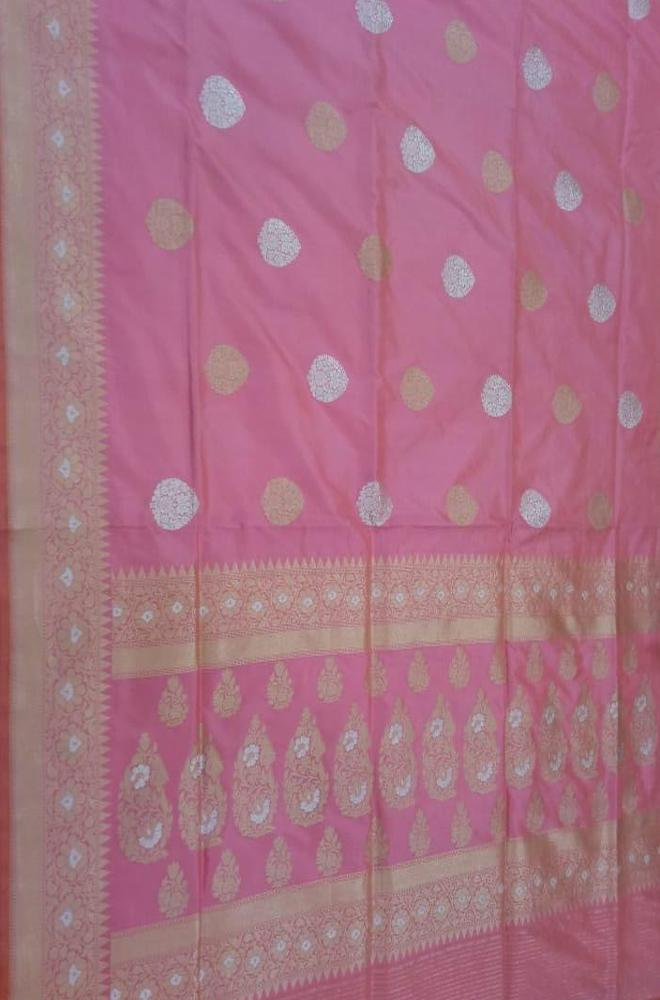 Pink Handloom Banarasi Pure Katan Silk Sona Roopa Saree With Temple Design Border - Luxurionworld