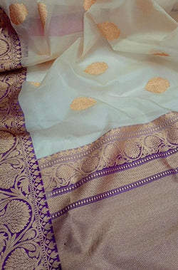 Off White Handloom Banarasi Organza Silk Saree - Luxurionworld