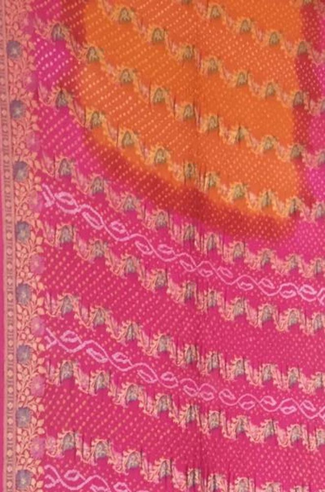Orange And Pink Banarasi Bandhani Pure Georgette Saree With Floral Border - Luxurionworld
