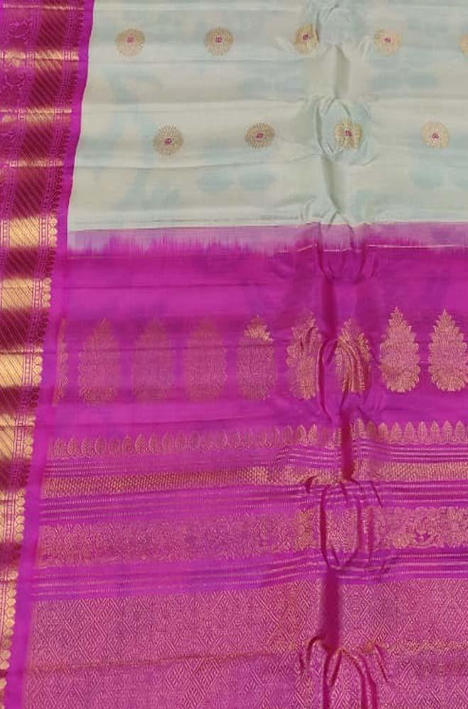 Off White Handloom Gadwal Pure Silk Saree - Luxurionworld