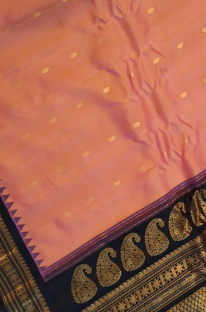 Pink Handloom Gadwal Pure Silk Saree With Temple Design Black Contrast Border