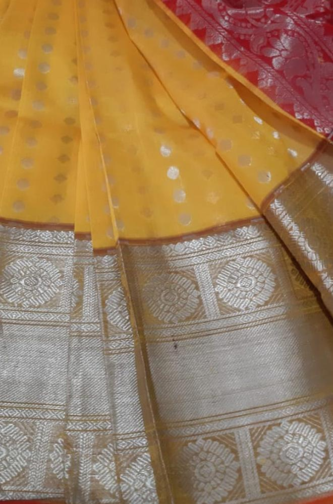 Yellow Handloom Kuppadam Saree With Big Border - Luxurionworld