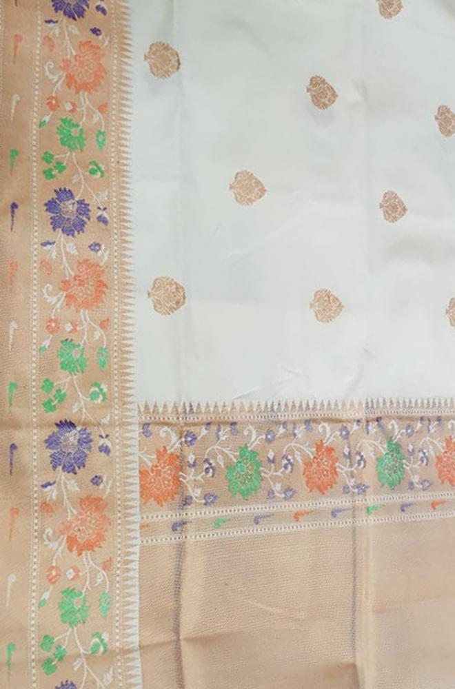 Off White Handloom Banarasi Pure Katan Silk Saree With Meenakari Big Border - Luxurionworld
