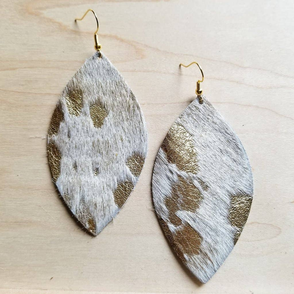 Cream and Gold Oval Earrings