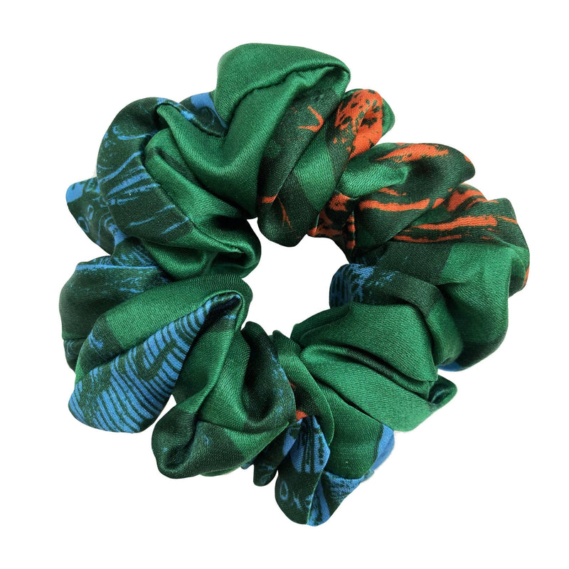 Action Scrunchie in Green