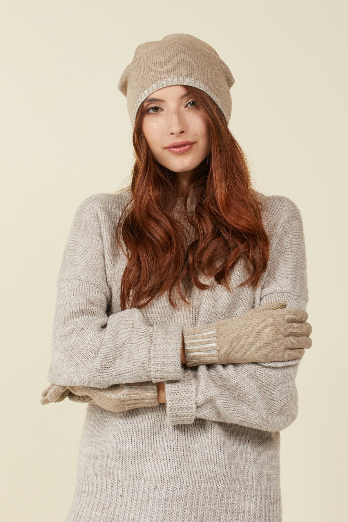 Luxurious Unisex Cashmere Gloves with Integrated with FIBREHEAT™ Self Heating Technology