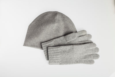 Cashmere Glove and Hat Set with Integrated FIBREHEAT™ Self Heating Technology
