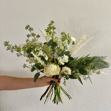 Load image into Gallery viewer, BOUQUET COTERIE - Petite
