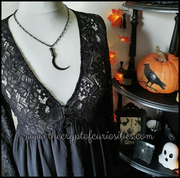 ~Without light~ Gothic black scythe necklace.