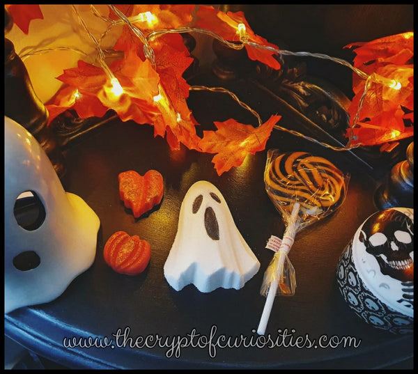 Free Halloween gift bag when you spend over £40 excluding shipping. PLEASE READ