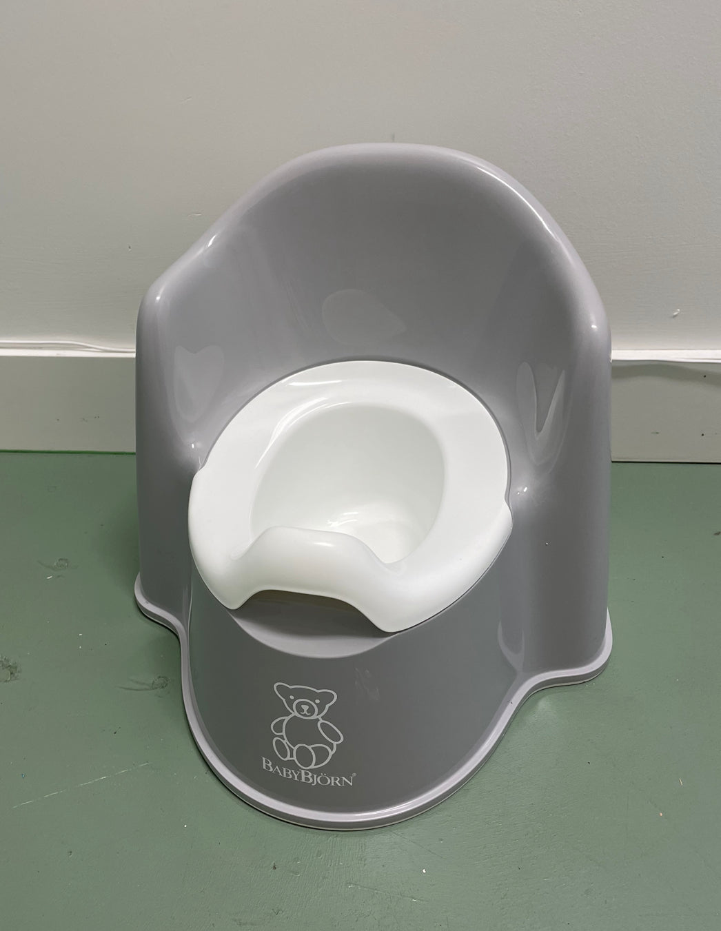 Potty Chair in Grey/White