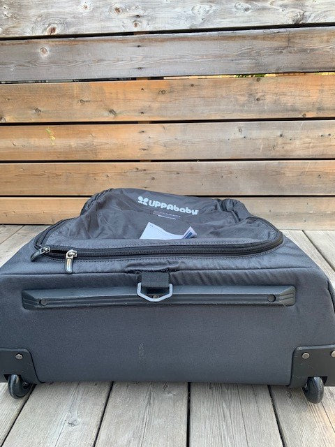 Vista Travel Bag (New, Open Box)