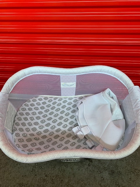 Swivel Sleeper Premiere + Newborn Insert + Sheet