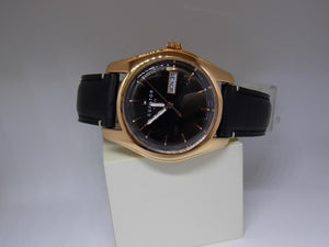 Fossil Watch CS5000 Mens Day/Date Black Dial. Gold Tone Case.Black Leather