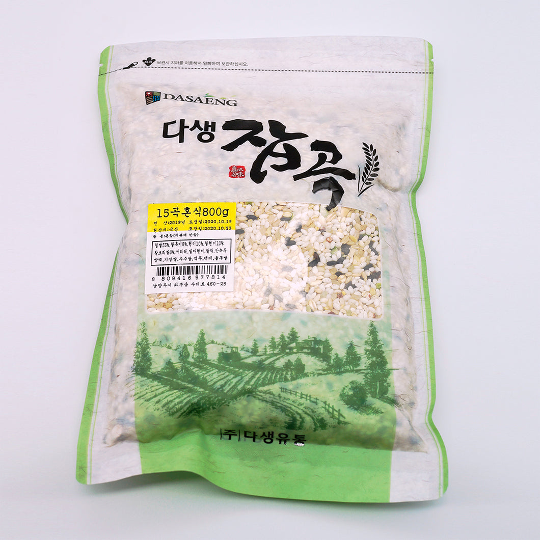 Dasaeng 15 kinds of Korean mixed grain rice in its packaging.